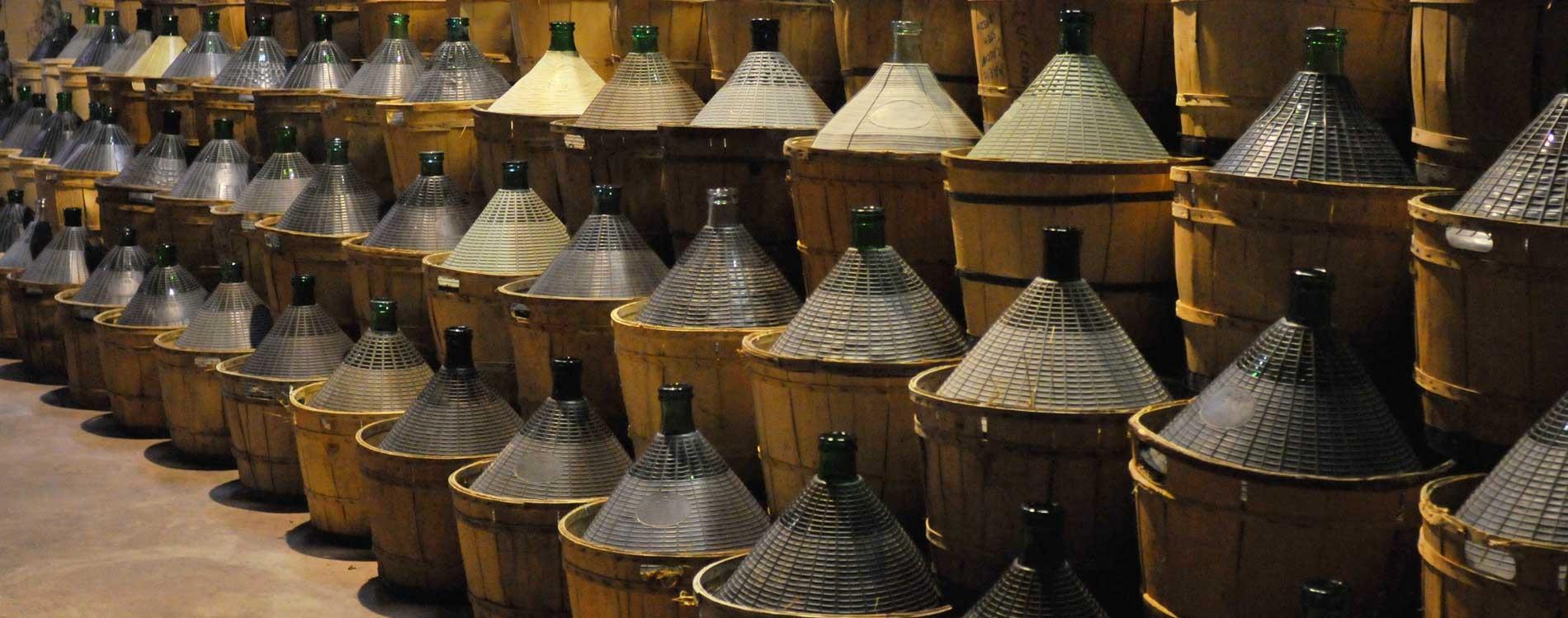 VINI VENETI - VENDITA VINO SFUSO TREVISO La cantina fratelli Zaghis produce e vende vini bianchi e vini rossi a Treviso. La nostra cantina è a Gorgo al Monticano